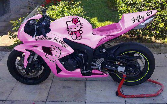 In tem Hello Kitty đẹp cho xe máy
