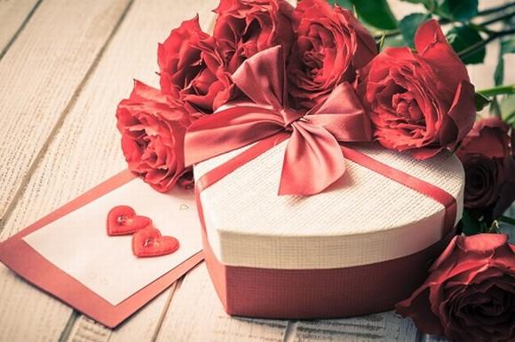 In hộp giấy hình trái tim