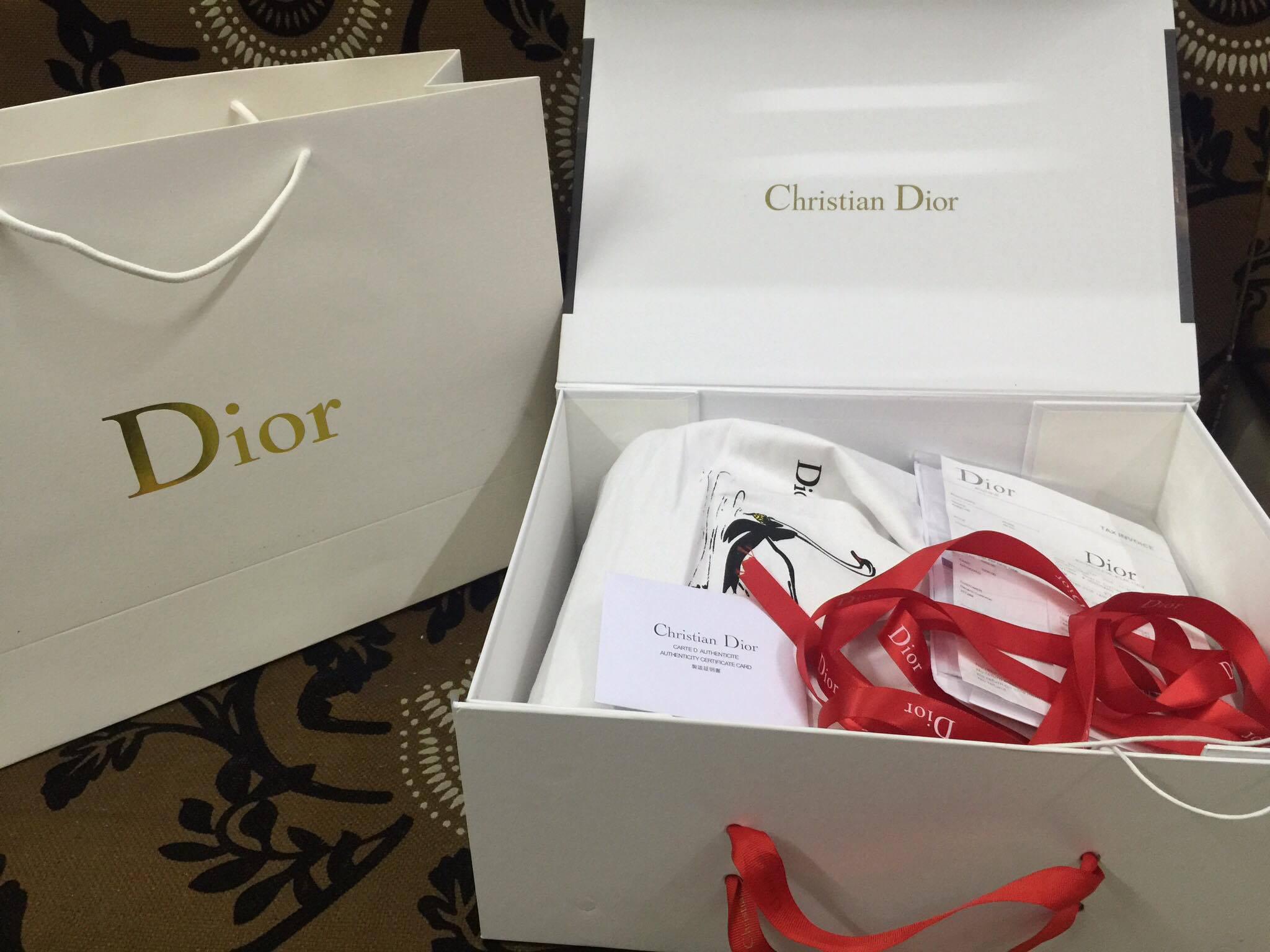 Túi giấy Dior cao cấp cho shop thời trang