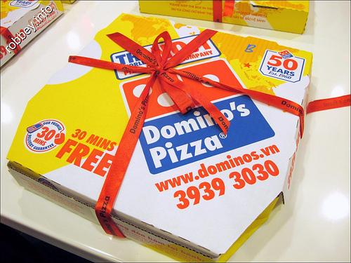 Mẫu in bao bì đựng bánh pizza Domino's