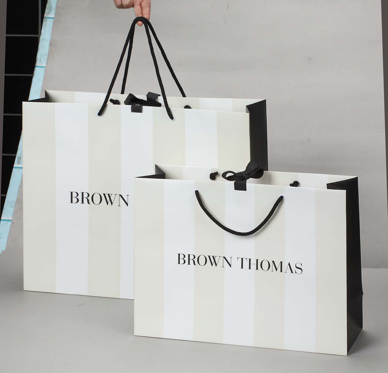 Mẫu in túi giấy cho shop quần áo nam