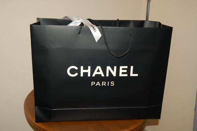 In túi giấy thương hiệu cho shop quần áo nam